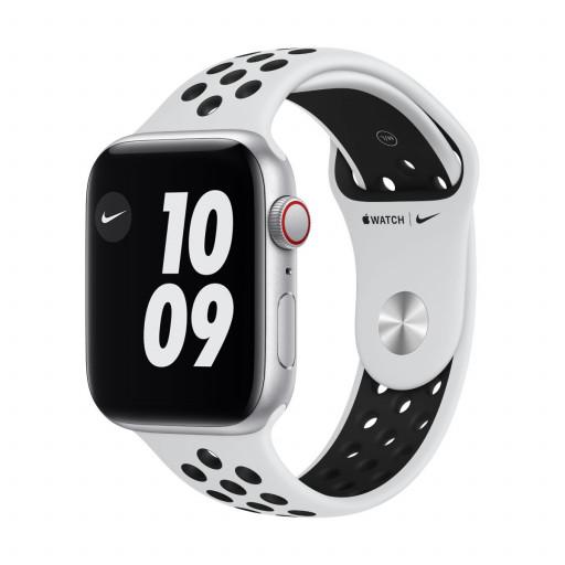 Apple Watch Nike SE Cellular 44 mm – Aluminium i Sølv med Pure Platinum/Black Nike Sport Band